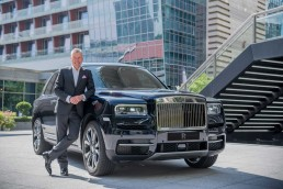 Torsten Müller-Ötvös, Chief Executive Officer, Rolls-Royce Motor Cars with Rolls-Royce Cullinan